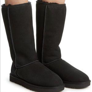 Black classic tall Ugg boots